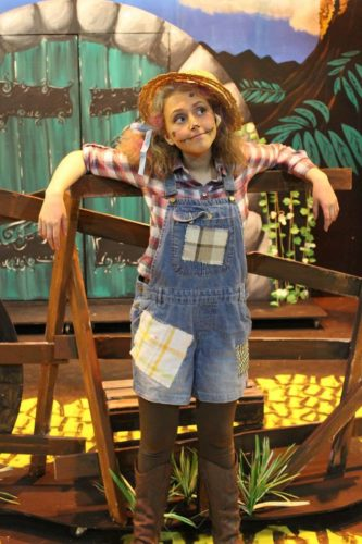 Amy As The Scarecrow