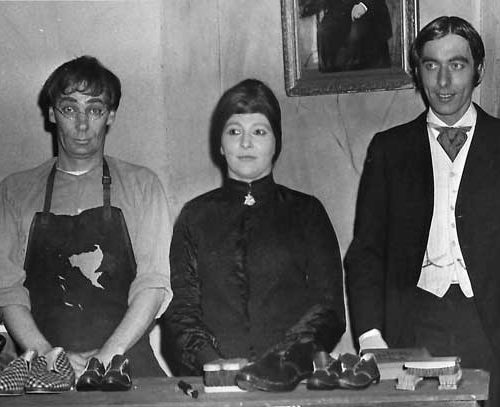 """In A Scene From """"Hobson's Choice"""" (left To Right) Len Conaway, Ron Dickens, Barbara Singleton, Alan Harrison, Pat Sandwith And Muriel Monkhouse"""